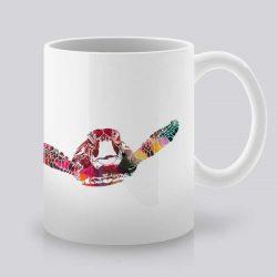 Сутрешната чаша кафе или чай става още по-приятна, с дизайнерската ни керамична чаша с щампа Моркса костенурка.