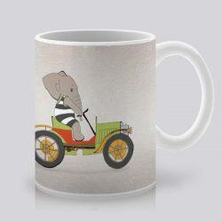 Сутрешната чаша кафе или чай става още по-приятна, с дизайнерската ни керамична чаша с щампа На път.
