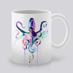 Сутрешната чаша кафе или чай става още по-приятна, с дизайнерската ни керамична чаша с щампа Шарен октопод.