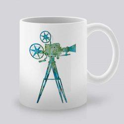 Сутрешната чаша кафе или чай става още по-приятна, с дизайнерската ни керамична чаша с щампа Синя камера.