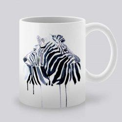 Сутрешната чаша кафе или чай става още по-приятна, с дизайнерската ни керамична чаша с щампа Зебри.