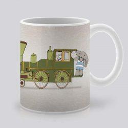 Сутрешната чаша кафе или чай става още по-приятна, с дизайнерската ни керамична чаша с щампа Зеленият влак.