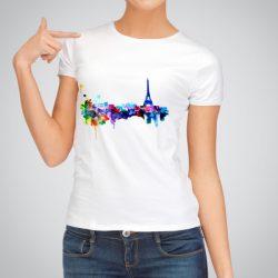 Дамска тениска Гледка От Париж е изработена от висококачествен памук и последно поколение технология на печат. Ярки цветове и прецизен детайл – сякаш някой е рисувал с четка и бои върху плата.