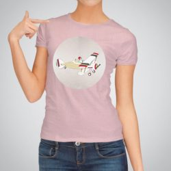 Дамска тениска Заек Пилот е изработена от висококачествен памук и последно поколение технология на печат. Ярки цветове и прецизен детайл – сякаш някой е рисувал с четка и бои върху плата.