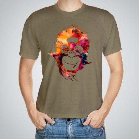 Мъжка тениска Усмихната маймуна e изработена от висококачествен памук с ярки цветове и прецизен детайл – сякаш някой е рисувал с четка и бои върху плата.