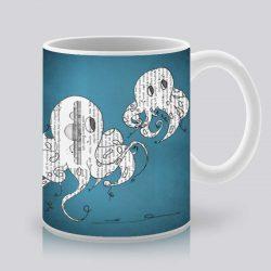 Сутрешната чаша кафе или чай става още по-приятна, с дизайнерската ни керамична чаша с щампа Двойка октоподи.
