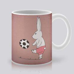 Сутрешната чаша кафе или чай става още по-приятна, с дизайнерската ни керамична чаша с щампа Футболист.