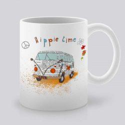 Сутрешната чаша кафе или чай става още по-приятна, с дизайнерската ни керамична чаша с щампа Хипи бус.