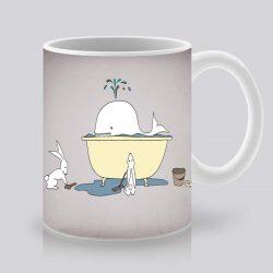 Сутрешната чаша кафе или чай става още по-приятна, с дизайнерската ни керамична чаша с щампа Кит във вана.