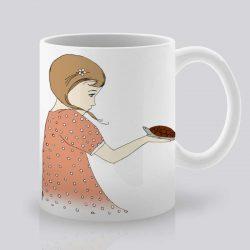 Сутрешната чаша кафе или чай става още по-приятна, с дизайнерската ни керамична чаша с щампа Костенурка и момиче.