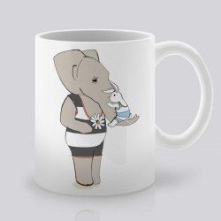 Сутрешната чаша кафе или чай става още по-приятна, с дизайнерската ни керамична чаша с щампа Милувка.