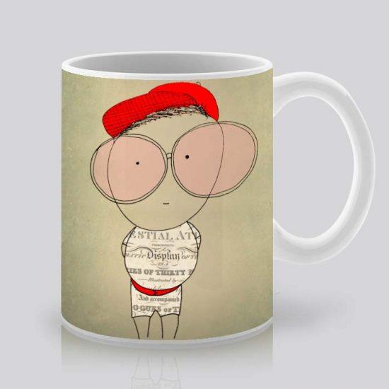 Сутрешната чаша кафе или чай става още по-приятна, с дизайнерската ни керамична чаша с щампа Момче с очила.