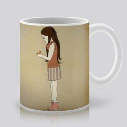 Сутрешната чаша кафе или чай става още по-приятна, с дизайнерската ни керамична чаша с щампа Момиче и птица.