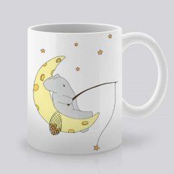 Сутрешната чаша кафе или чай става още по-приятна, с дизайнерската ни керамична чаша с щампа На луната.