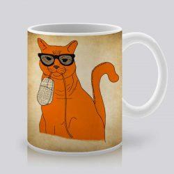 Сутрешната чаша кафе или чай става още по-приятна, с дизайнерската ни керамична чаша с щампа Оранжев котарак.