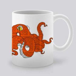Сутрешната чаша кафе или чай става още по-приятна, с дизайнерската ни керамична чаша с щампа Оранжев октопод.