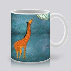 Сутрешната чаша кафе или чай става още по-приятна, с дизайнерската ни керамична чаша с щампа Оранжев жираф.