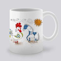 Сутрешната чаша кафе или чай става още по-приятна, с дизайнерската ни керамична чаша с щампа Петел и кон.