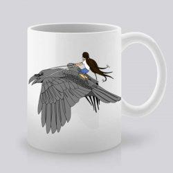 Сутрешната чаша кафе или чай става още по-приятна, с дизайнерската ни керамична чаша с щампа Полет върху птица.