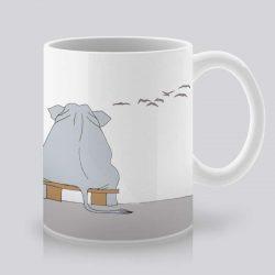 Сутрешната чаша кафе или чай става още по-приятна, с дизайнерската ни керамична чаша с щампа Синя нощ.