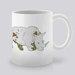 Сутрешната чаша кафе или чай става още по-приятна, с дизайнерската ни керамична чаша с щампа Сив носорог.