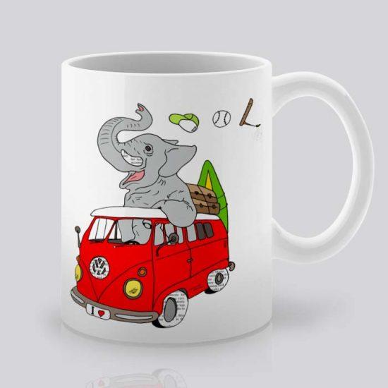 Сутрешната чаша кафе или чай става още по-приятна, с дизайнерската ни керамична чаша с щампа Слон хипар.