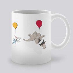 Сутрешната чаша кафе или чай става още по-приятна, с дизайнерската ни керамична чаша с щампа Въздушен танц.