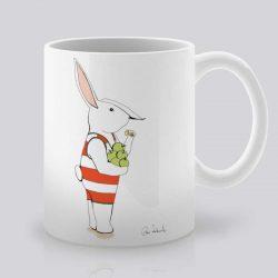 Сутрешната чаша кафе или чай става още по-приятна, с дизайнерската ни керамична чаша с щампа Ябълки за закуска.
