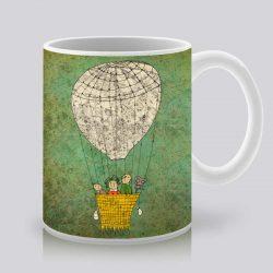 Сутрешната чаша кафе или чай става още по-приятна, с дизайнерската ни керамична чаша с щампа Зелени небеса.