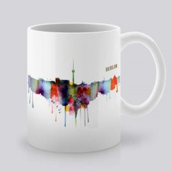 Сутрешната чаша кафе или чай става още по-приятна, с дизайнерската ни керамична чаша с щампа Берлин.