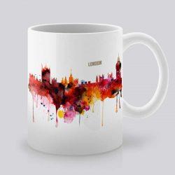 Сутрешната чаша кафе или чай става още по-приятна, с дизайнерската ни керамична чаша с щампа Гледка от Лондон.