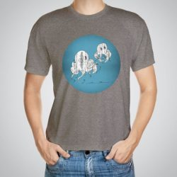 Мъжка тениска Двойка октоподи e изработена от висококачествен памук с ярки цветове и прецизен детайл – сякаш някой е рисувал с четка и бои върху плата.
