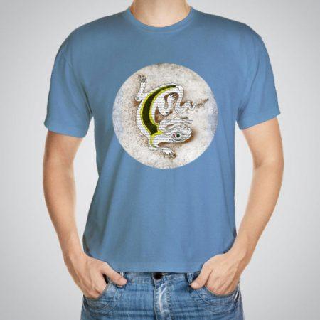 Мъжка тениска Гущер e изработена от висококачествен памук с ярки цветове и прецизен детайл – сякаш някой е рисувал с четка и бои върху плата.