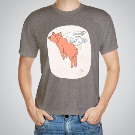 Мъжка тениска Летящо прасе e изработена от висококачествен памук с ярки цветове и прецизен детайл – сякаш някой е рисувал с четка и бои върху плата.