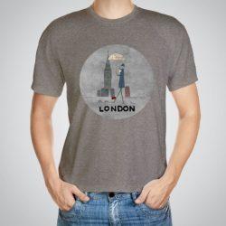 Мъжка тениска Лондон e изработена от висококачествен памук с ярки цветове и прецизен детайл – сякаш някой е рисувал с четка и бои върху плата.
