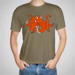 Мъжка тениска Оранжев Октопод e изработена от висококачествен памук с ярки цветове и прецизен детайл – сякаш някой е рисувал с четка и бои върху плата.