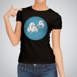 Дамска тениска Двойка октоподи е изработена от висококачествен памук и последно поколение технология за печат. Цветовете са ярки и наситени, сякаш някой е рисувал върху тениската.