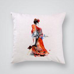 Декоративна калъфка Червена рокля е изработена от качествен текстил в натурален бял цвят, с щампа от едната страна и скрит цип за лесна поддръжка. Калъфката е ушита ръчно и с грижа, печатът е безопасен, с нетоксични мастила и трайни цветове.