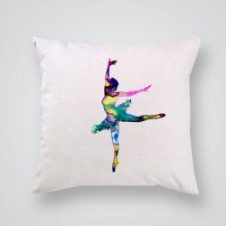 Декоративна калъфка Шарена балерина е изработена от качествен текстил в натурален бял цвят, с щампа от едната страна и скрит цип за лесна поддръжка. Калъфката е ушита ръчно и с грижа, печатът е безопасен, с нетоксични мастила и трайни цветове.