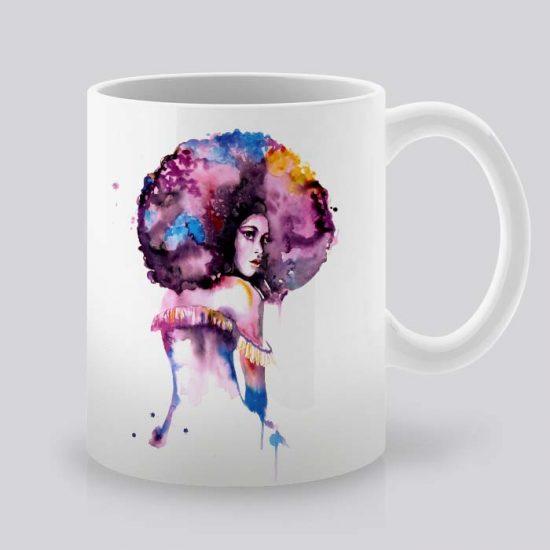 Сутрешната чаша кафе или чай става още по-приятна, с дизайнерската ни керамична чаша с щампа Афро Жена.