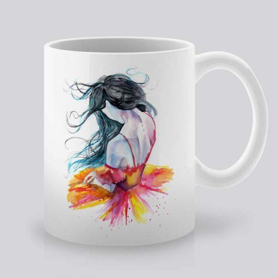 Сутрешната чаша кафе или чай става още по-приятна, с дизайнерската ни керамична чаша с щампа Балерина.