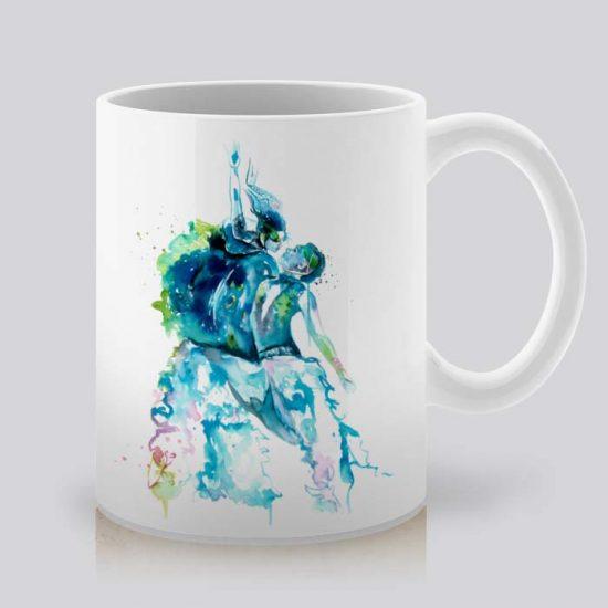 Сутрешната чаша кафе или чай става още по-приятна, с дизайнерската ни керамична чаша с щампа Танци.