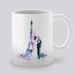 Сутрешната чаша кафе или чай става още по-приятна, с дизайнерската ни керамична чаша с щампа Целувка в Париж.