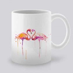 Сутрешната чаша кафе или чай става още по-приятна, с дизайнерската ни керамична чаша с щампа Фламинго Любов.