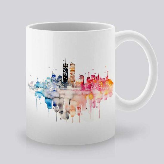 Сутрешната чаша кафе или чай става още по-приятна, с дизайнерската ни керамична чаша с щампа Гледка към Града.