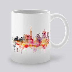 Сутрешната чаша кафе или чай става още по-приятна, с дизайнерската ни керамична чаша с щампа Град.