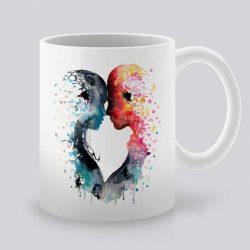 Сутрешната чаша кафе или чай става още по-приятна, с дизайнерската ни керамична чаша с щампа Любов за двама.