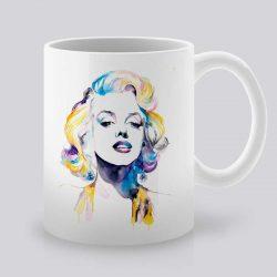 Сутрешната чаша кафе или чай става още по-приятна, с дизайнерската ни керамична чаша с щампа Мерилин Монро.