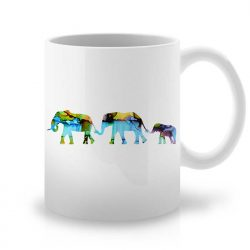 Сутрешната чаша кафе или чай става още по-приятна, с дизайнерската ни керамична чаша с щампа Семейство Слонове.