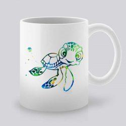 Сутрешната чаша кафе или чай става още по-приятна, с дизайнерската ни керамична чаша с щампа Костенурка.